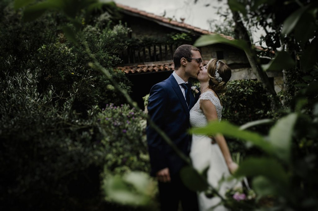 Foto de boda en restaurante baserri maitea en forua Bizkaia