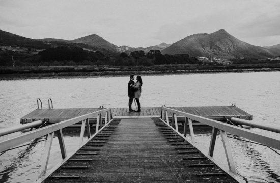 Fotografo de parejas en embarcadero del urdaibai