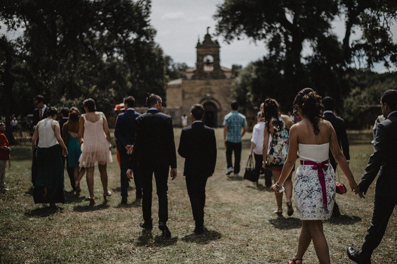Llgada de invitados a la boda en la finca el Encinar