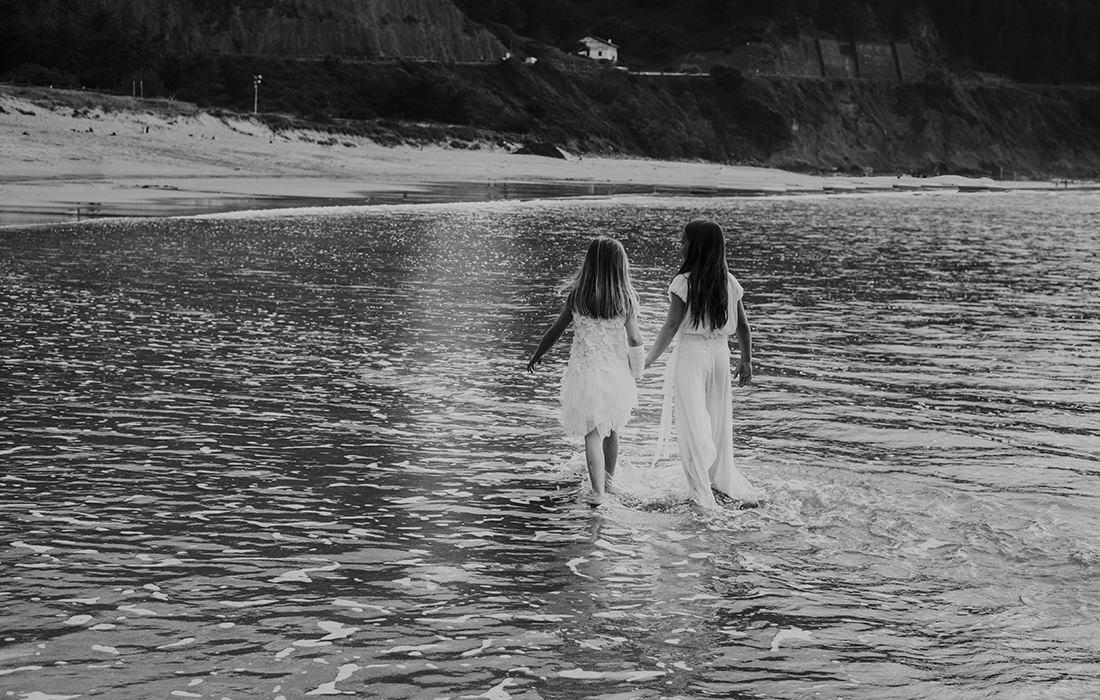 reportaje de comunión en la playa de laga